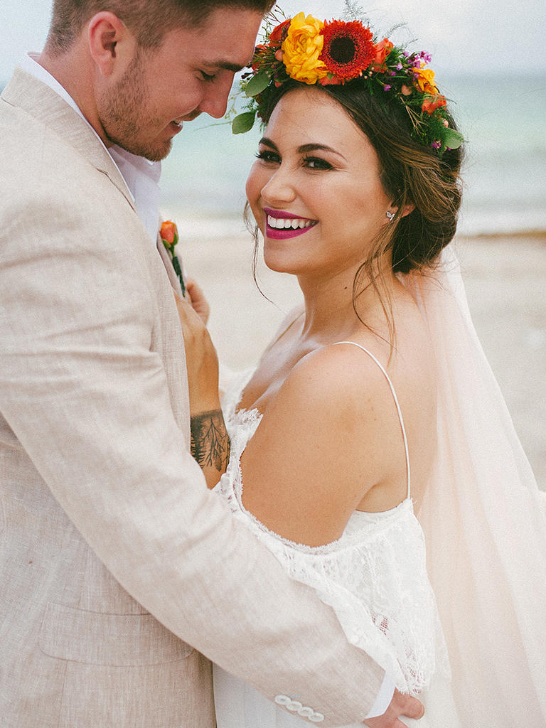 15 Different Ways To Style A Veil With A Flower Crown